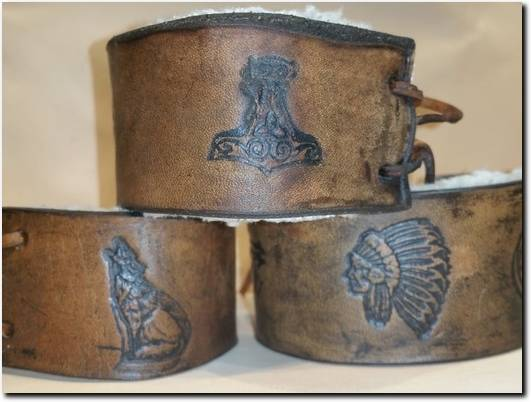 https://folksy.com/shops/leathercraftersstudios website
