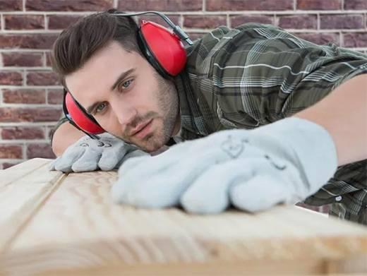 https://www.carpentrycalgary.com/ website